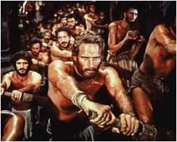 a-vitorlazas-tortenete-a-romai-vitorashajo-rabszolga-evezosok-a-ben-hur-cimu-filmen